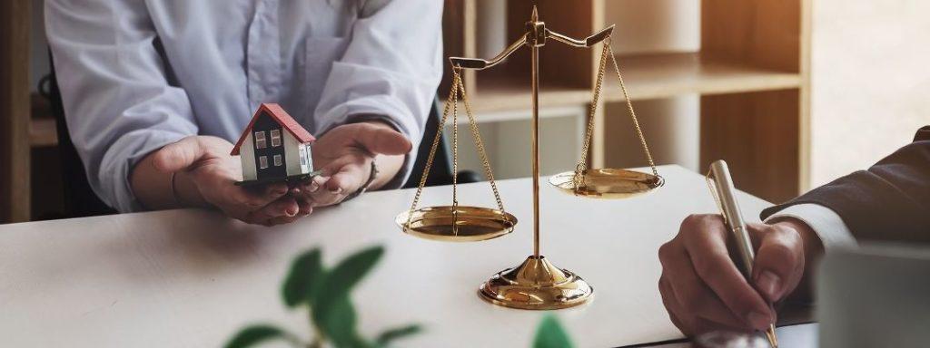 Юрист по земельно-имущественным отношениям